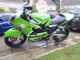 Kawasaki ZX12R A1 2001 Full power Akrapovic exhaust £2500