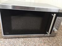 Mint condition Kenwood 800w microwave (ideal for student living)
