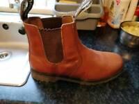 Mens dealer type boots size 9 uk43