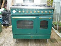 Britannia Stove freestanding Double oven Model SI-9T, 5 gas burners with Double electric oven
