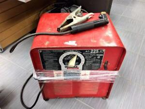 Soudeuse à arc (électrodes) LINCOLN Electric AC-225-S ***PRIX RÉDUIT*** #P021273