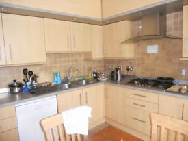 Attractive All Inclusive Ensuite (own bathroom) Double bedroom available now