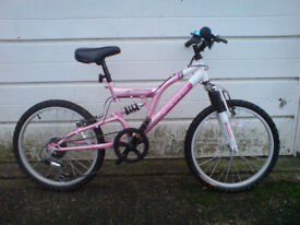 GIRLS BIKE IN EXCELLENT AS NEW CONDITION