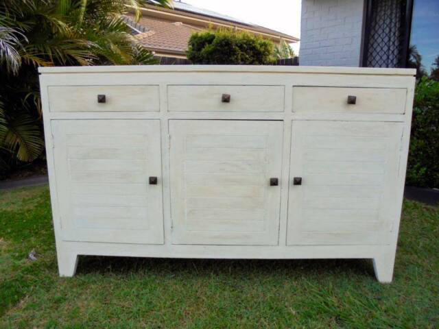 Off White 3 Door 3 Drawer Sideboard / Buffet / Cabinet ...