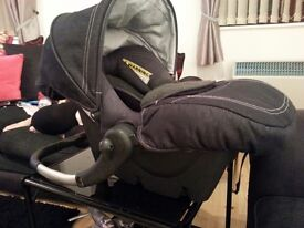 Hardly used silver cross car seat.