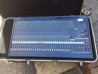 Yamaha MG32/14FX Mixing Desk Great Condition with Flight Case