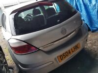 vauxhall astra 2004, Breaking and selling for parts for sale ...