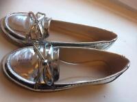 Women's silver flat shoes