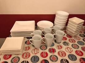 Crockery set (36 piece)