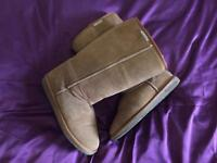 Ugg style boots - ladies size 6