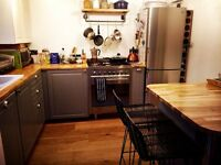 Bright double attic room with private ensuite in Hove
