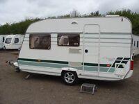 Lunar Chateau 400 (2004) Touring Caravan