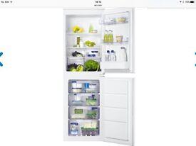 ZANUSSI 50/50 (integrated) fridge freezer