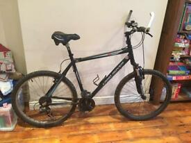 *FOR SALE MENS LANDROVER EXPERIENCE MOUNTAIN BIKE**