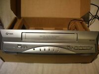 FUNAI VHS PLAYER 31B-250 VCR VHS HQ VIDEO RECORDER WITH REMOTE