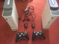 2 Xbox 360 with 2 pads