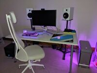 White Ikea large desk THYGE (MUST GO BY 27TH SEP