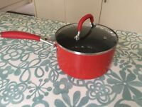 Saucepan with lid - ideal for play!