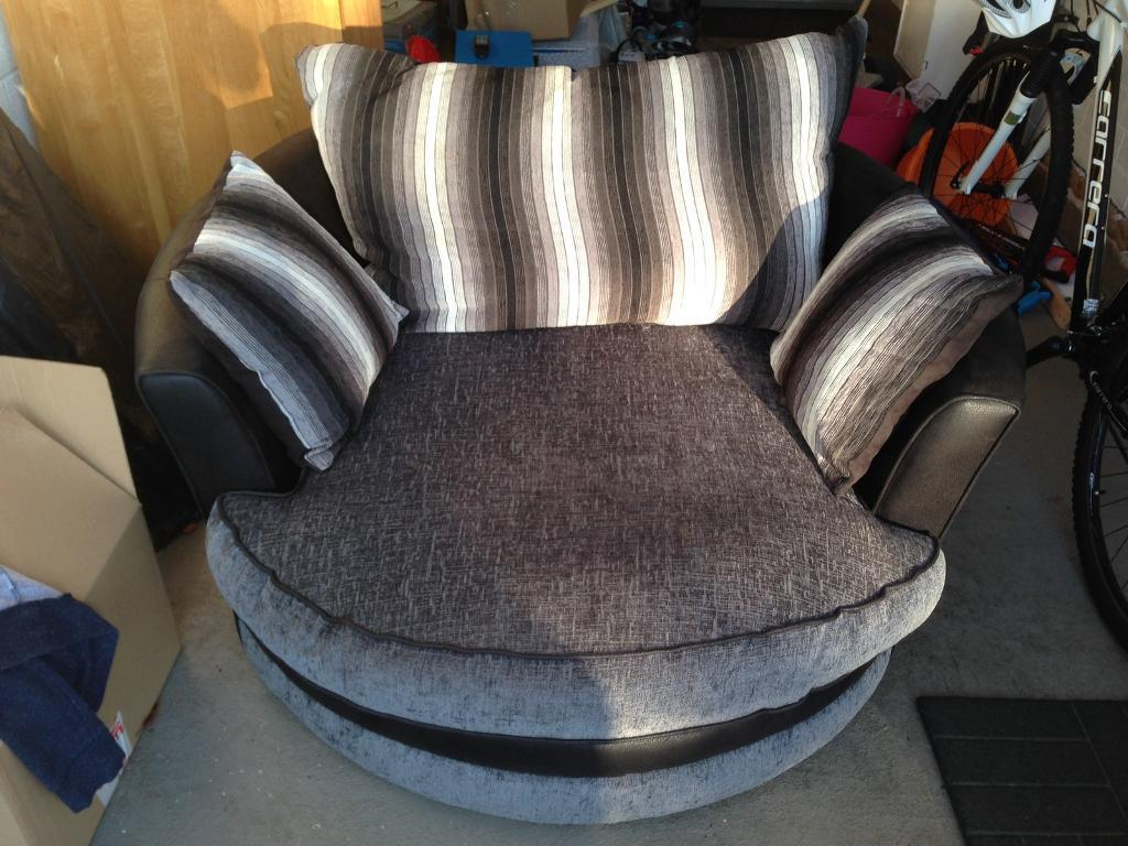 SCS swivel cuddle chair black/charcoal