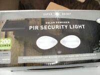 SOLAR PIR SECURITY LIGHT (Brand New & Boxed)