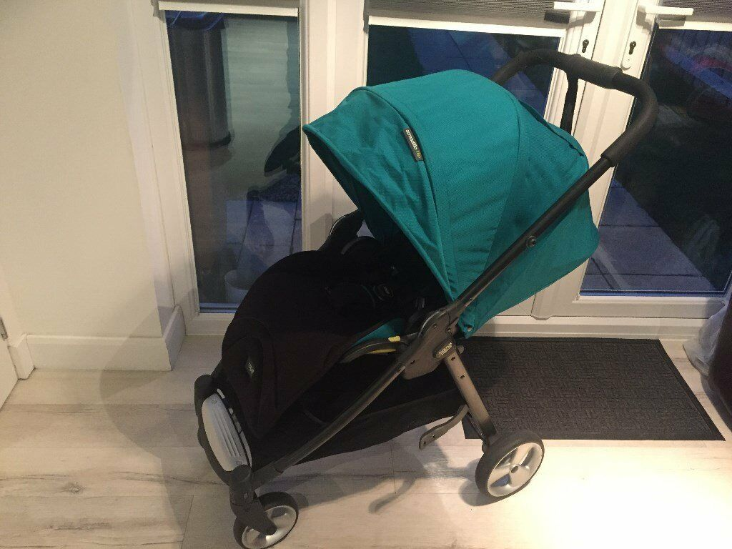 Mamas and Papas Armadillo Flip Reversible Pushchair