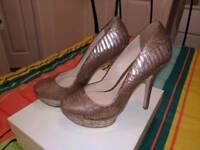 Dune metallic leather platform shoes size 3