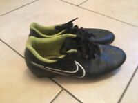 Nike Mogista football boots size 8