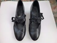 Ladies Tap Shoes. Size 4. Cuban Heel. Black. Leather Upper & Sole. Lace-up. Toe and Heel Taps.