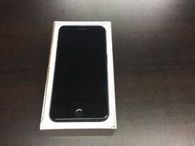 IPhone 7 Plus 128gb Unlocked tiny chip on the corner with warranty and accessories
