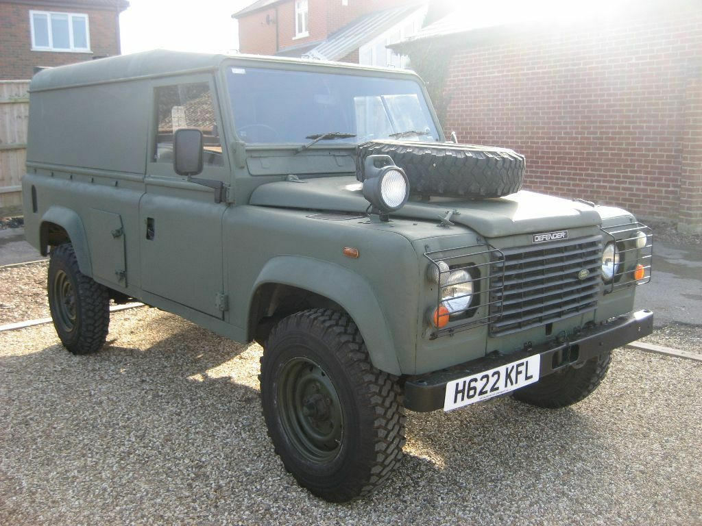 land rover defender 110 2 5 na ex mod army hardtop 1990 h reg in green in poole dorset. Black Bedroom Furniture Sets. Home Design Ideas