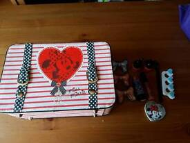 Minnie mouse make up and case