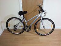 Marin hybrid ladies bike with 28 wheel size