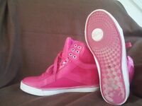 Women's High Tops - Size 6