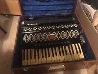 Baile Piano Accordion and Box