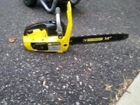 """MasterCraft 14"""" blade 33cc chainsaw with automatic chain oiler"""