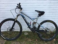 Specialized Stumpjumper FSR Comp Mountain Bike 2009 with Extras.
