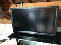 "3x 46"" Monitor for PC TV HDMI etc. LCD x3"
