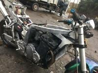 Suzuki GSX R 1100 - Breaking for all available parts.