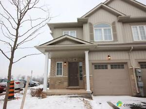 $449,999 - Townhouse for sale in Beamsville