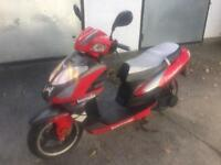 2012 Lexmoto Gladiator 125 cc learner legal 125 cc scooter with MOT