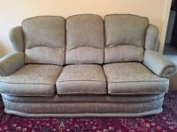 Sofa / settee and two armchairs / three piece suite great condition, very comfy, FREE!