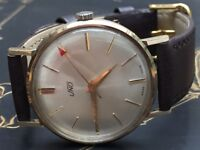 Beautiful vintage 9k 9ct solid gold Uno mens swiss watch REDUCED PRICE!!!
