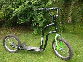 """Alien Scooter 16"""" wheels"""
