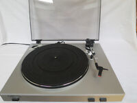 ION USB Turntable / Vinyl Archiver with Line Input Model TTUSB05XL