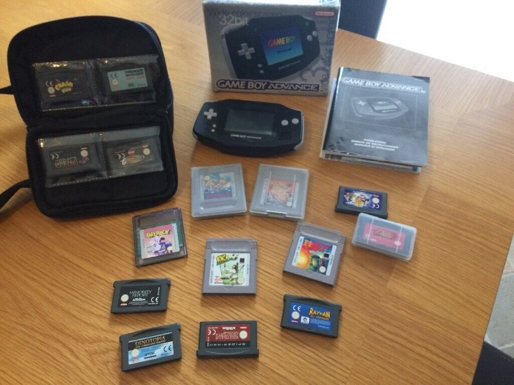 Nintendo Gameboy Advance, Carrycase & 14 Games.