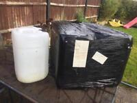 4x 25litre containers