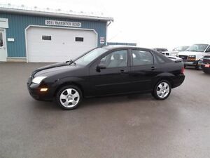 2007 Ford Focus SES,SUNROOF,LEATHER,ONLY 127000 KM'S!!