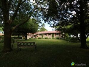 $789,000 - Bungalow for sale in Bayfield
