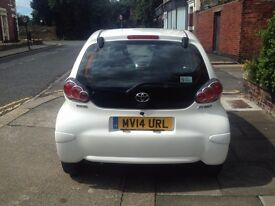 2014 TOYOTA AYGO MOVE VVT-I WHITE 11K mileage,998 cc,5 Dr,1 PERIVIOUS OWNER,5 SPEEDD MANUAL PETROL