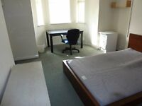 Bills Included - 2 Double Rooms in 4 Bedroom Maisonette on North Rd West